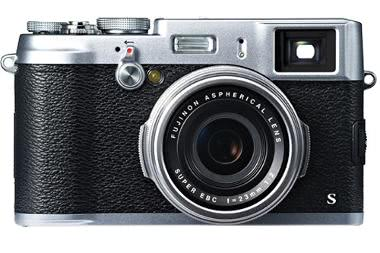 Fuji X100S Digital Camera with 23mm f/2 Lens